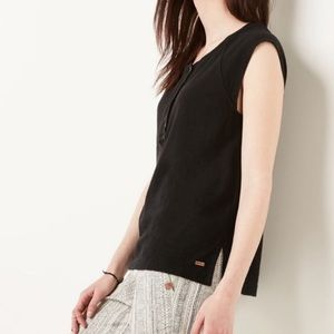 Roots Henley